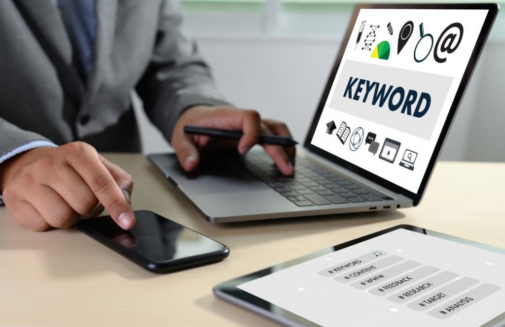 keyword research on laptop